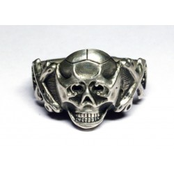 WW II German Ring with Skull and Crossbones.