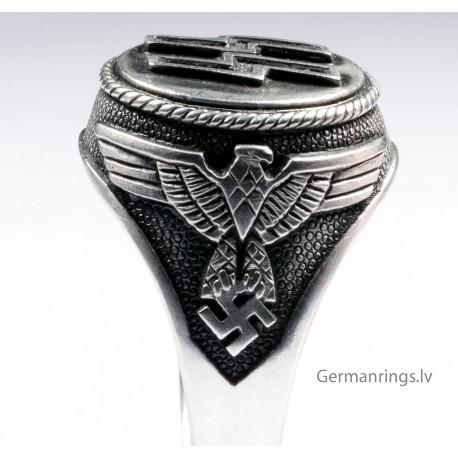 WW II Перстень с рунами СС