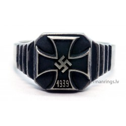 German WW2 Iron Cross 1939 Silver Ring