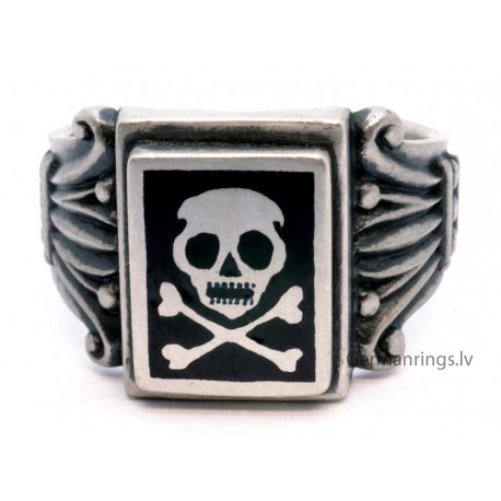 WWII Waffen Units Death Head ring