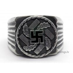 WWII GERMAN THIRD REICH SILVER SWASTIKA RING