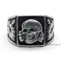 German ww2 Ring with Totenkopf Skull
