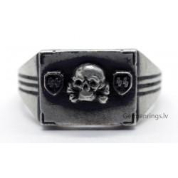Waffen SS Totenkopf ring