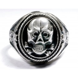 WW II German Ring with Skull