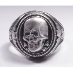 WW II Кольцо с черепом.