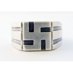 German WW II Ring with swastika
