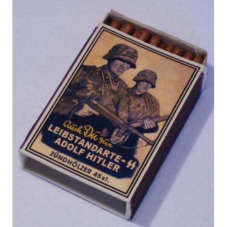 Коробок спичек с этикеткой пропаганды 3 рейха.