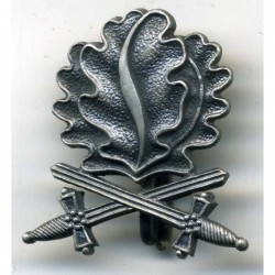 WW2 GERMAN OAK LEAVES to the KNIGHT CROSS with swords.