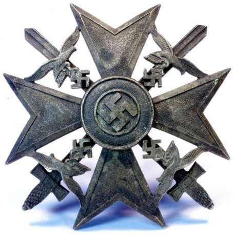 Spāņu krusts ar zobeniem bronzā.