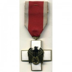 HONOR AWARD FOR GERMAN CIVIL WELFARE 1ST CLASS FOR NECK CROSS