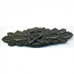 GERMAN CLOSE COMBAT WAR BADGE IN BRONZE