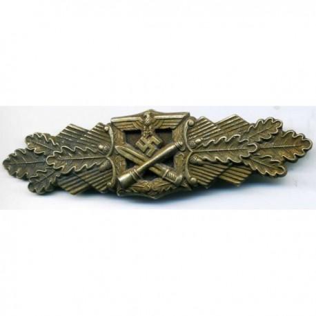 GERMAN CLOSE COMBAT WAR BADGE IN GOLD