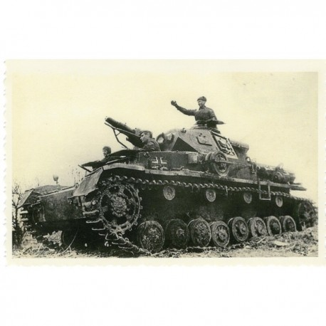 Photo reproductions of the WW2