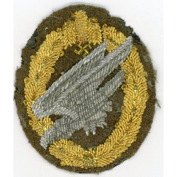 A Scarce Army Fallschirmjäger Badge in Cloth