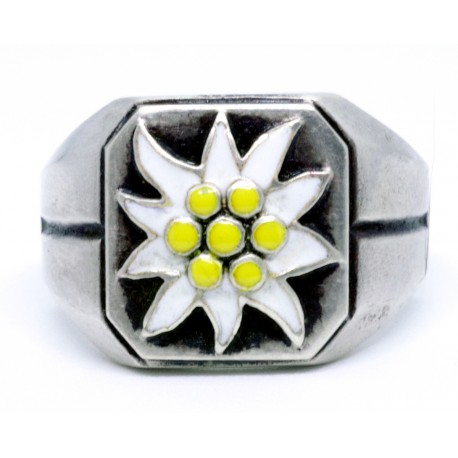 Alpen Divisions Edelweiss silver ring.