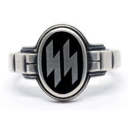 WW2 German SS OFFICER'S SILVER RING IN BLACK ENAMEL