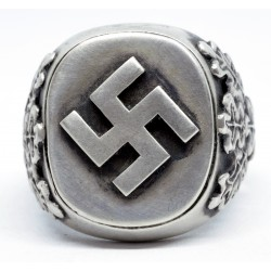 German WWII Ring with Fylfot Rune