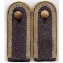Pair of Luftwaffe Unteroffizier shoulder-strap