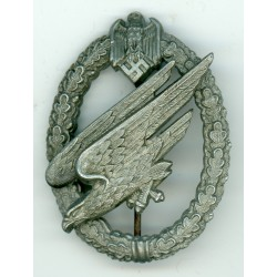 WWII GERMAN ARMY PARATROOPER BADGE