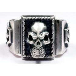 Мужское серебряное байкерское кольцо