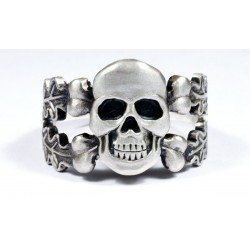 Silver Ring with Skull