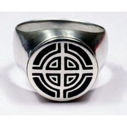 Кольцо из серебра с изображением кельтского креста